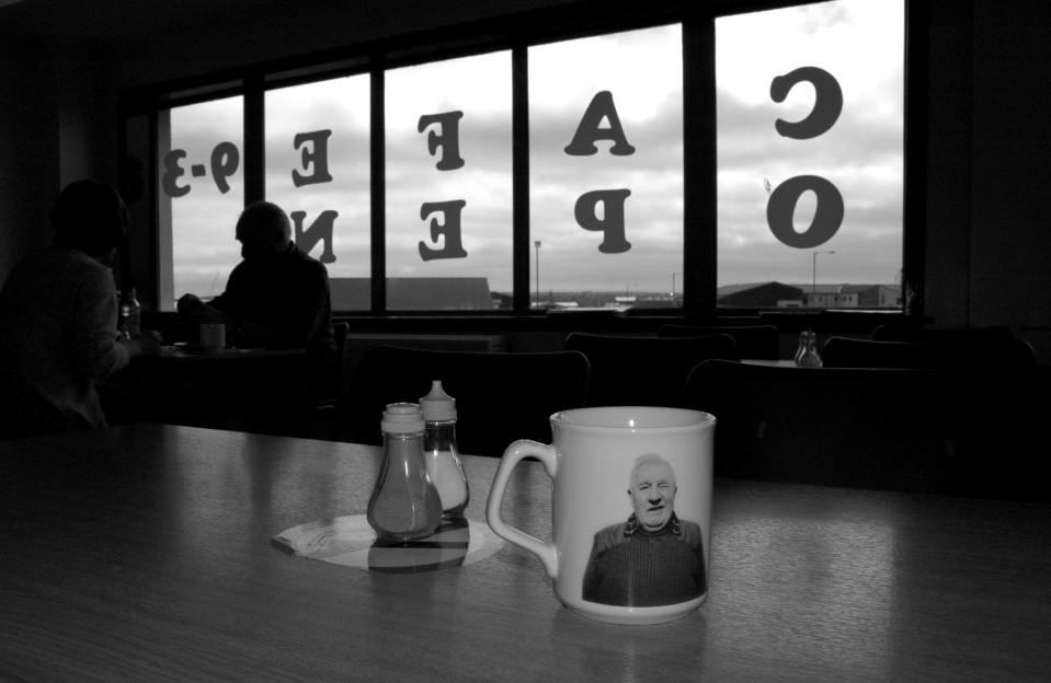 b&w mugs